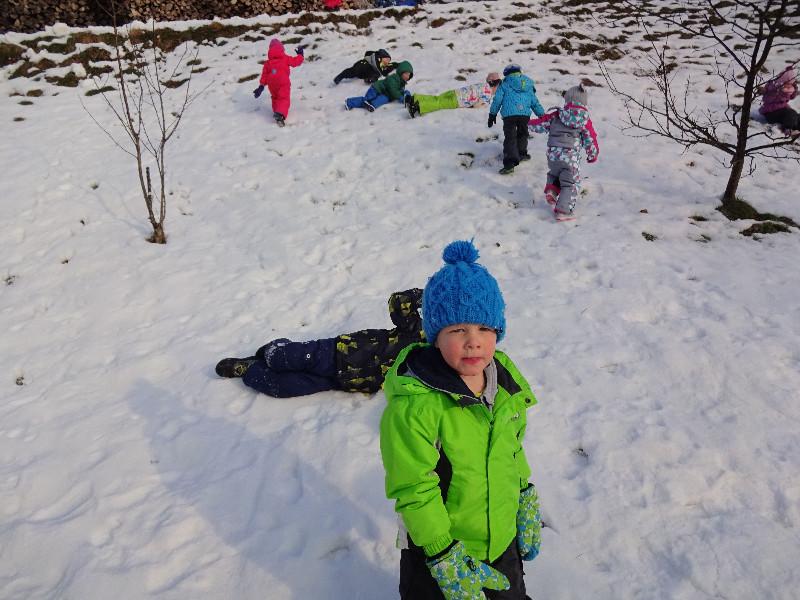 igra-na-snegu